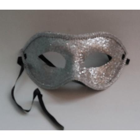 mascara-glitter-prata-lojas-brilhante