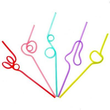 canudo-colorido-torcido-formas-variadas-lojas-brilhante