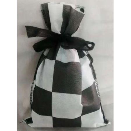 saco-surpresa-de-tnt-13-x-25-cm-xadrez-preto-com-branco-10-unidades